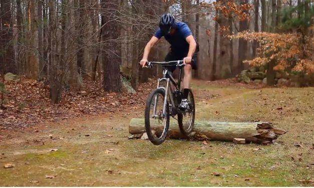 JUMP OVER LOGS WITH A MOUNTAIN BIKE